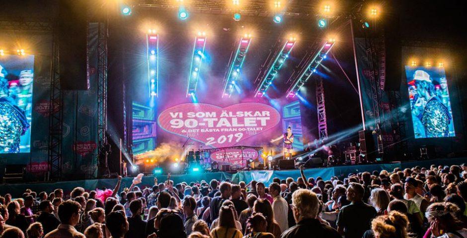 Konsert, scen, människor